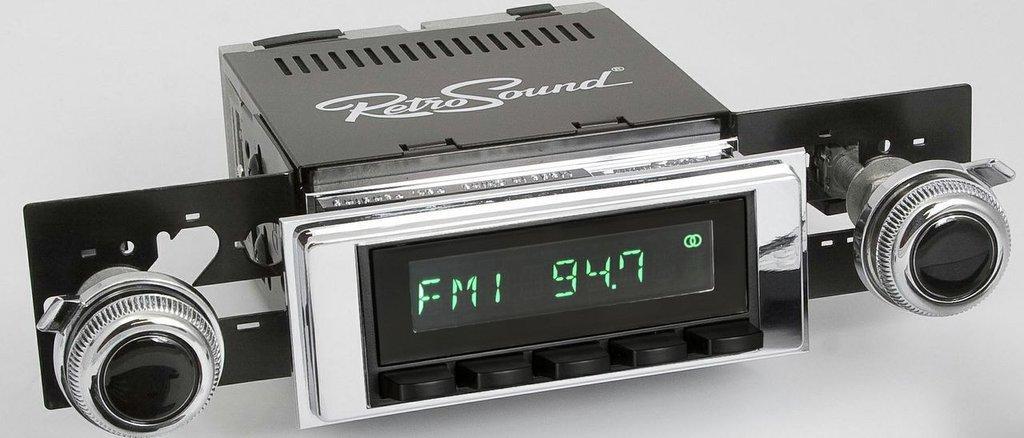 Retrosound 1967 or 1969 Dodge Dart Laguna Radio