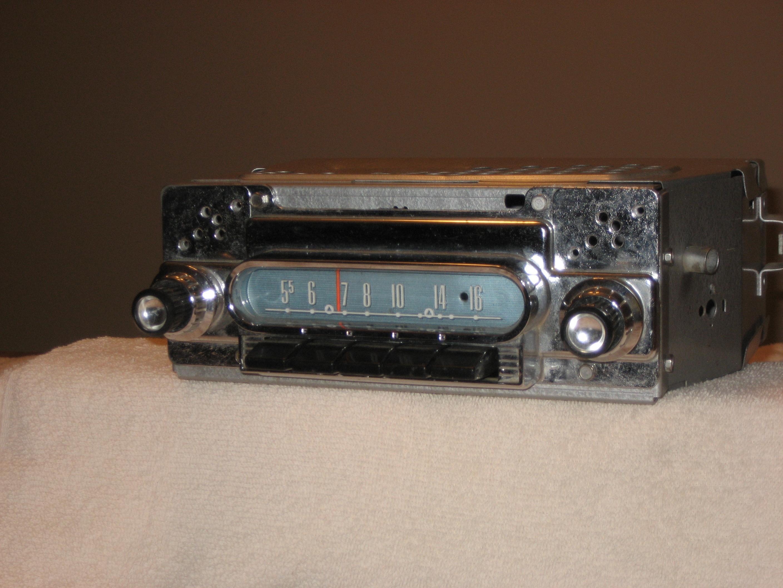 1960 FORD AM-FM STEREO RADIO
