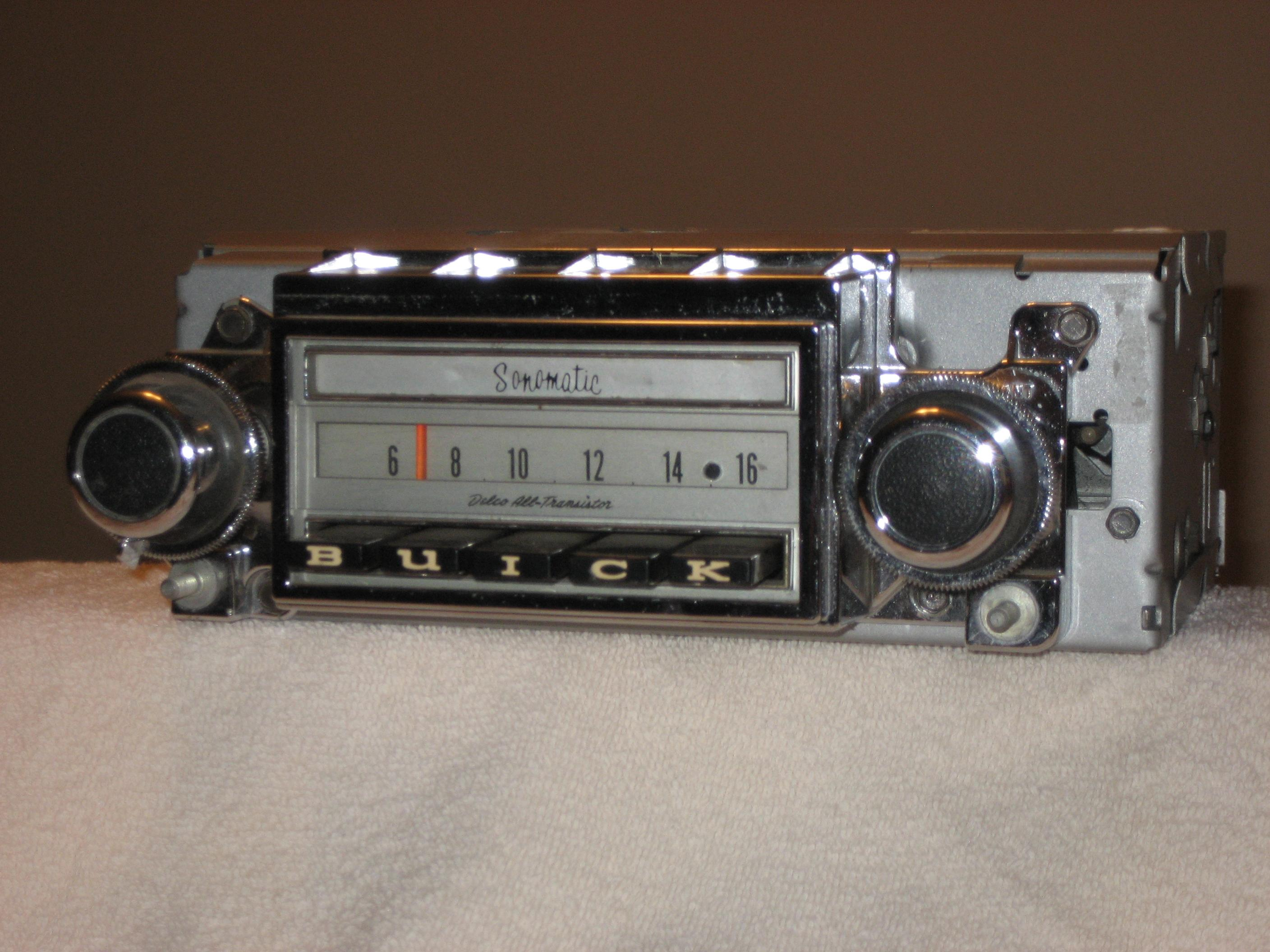 1968 BUICK SPECIAL AM-FM STEREO RADIO