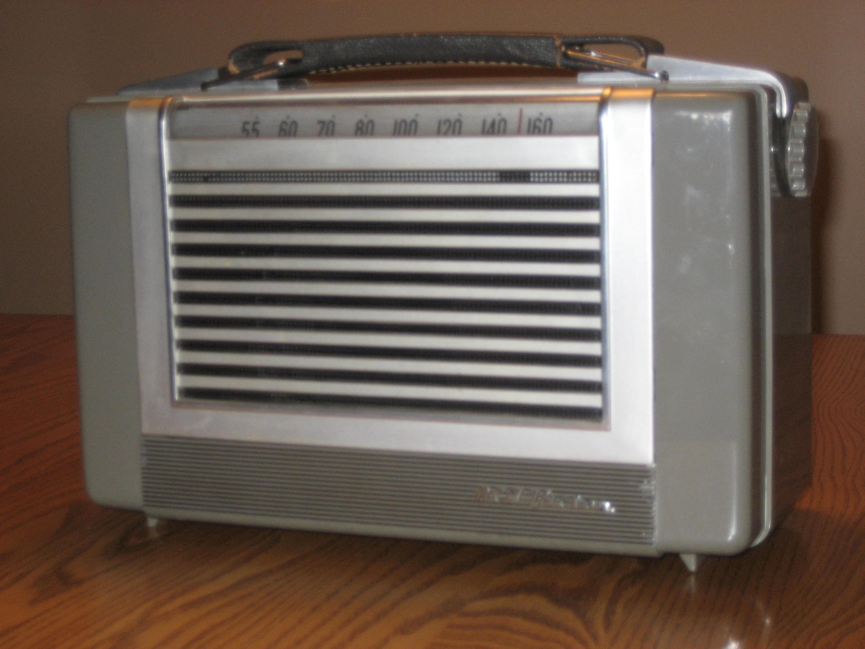 RCA TABLE RADIO
