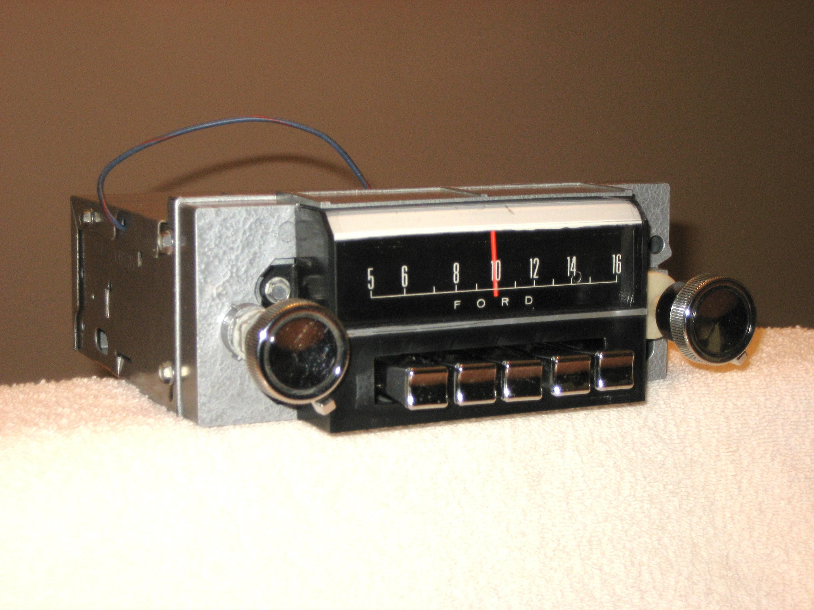 1967 MUSTANG AM-FM STEREO RADIO 7TPZ