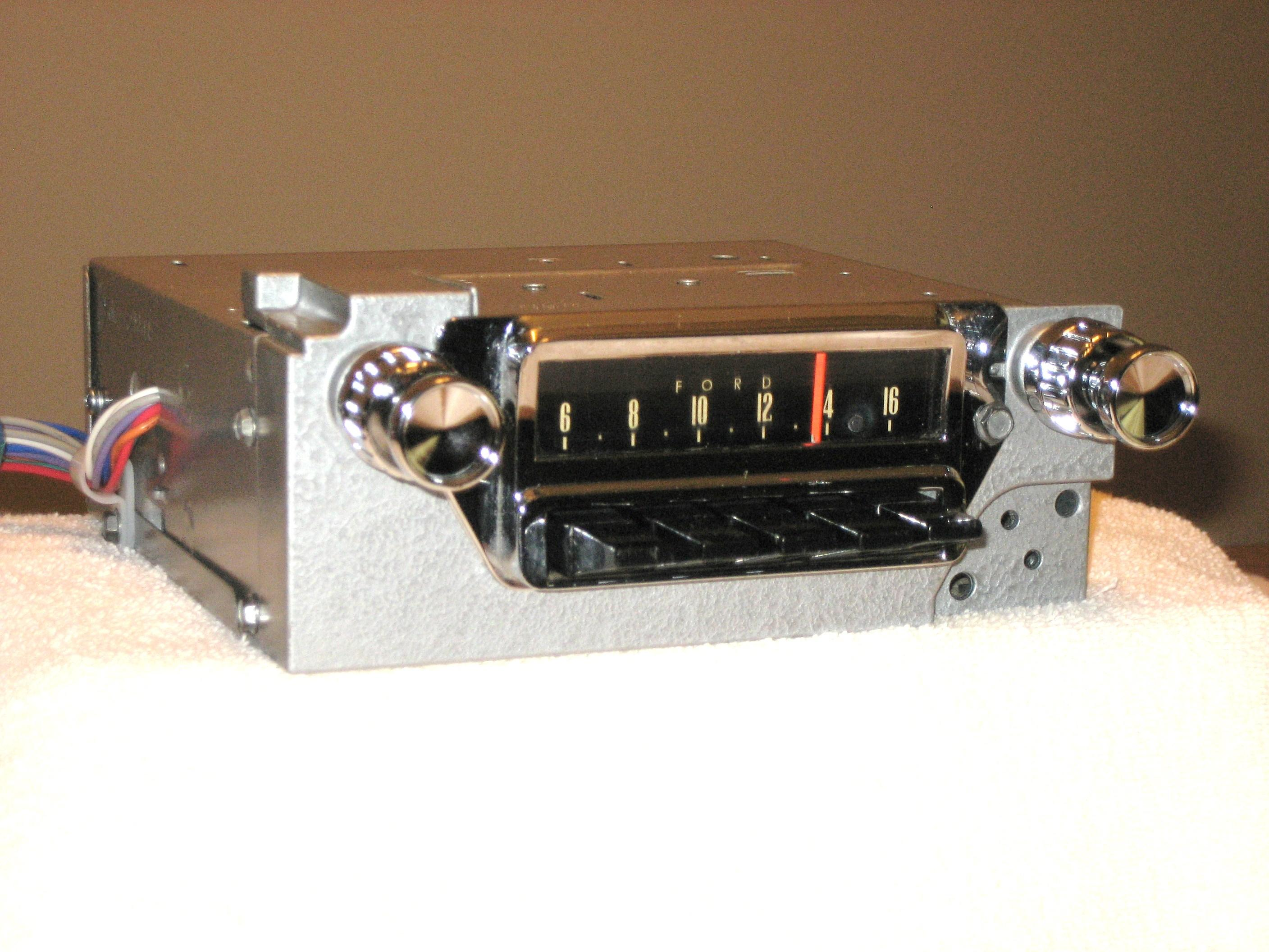 1965 MUSTANG AM-FM STEREO RADIO